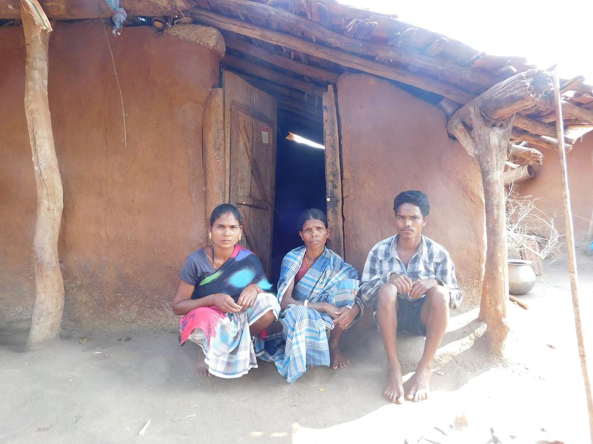 लक्खे अपने बहु जोगी और दूसरे बेटे चन्नाराम के साथ
