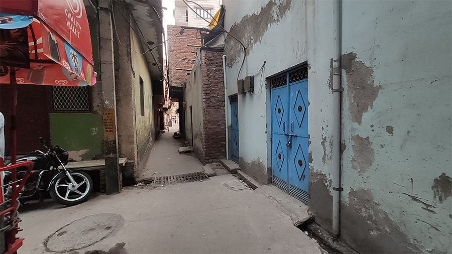 The spot where Shamshad and Maruf were shot. The bullet came from down the alley.