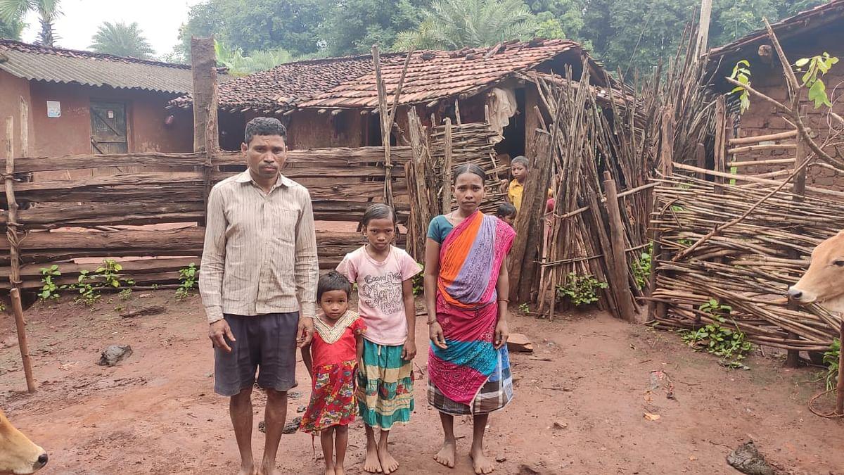 जोगा कोडोपी और उनका परिवार