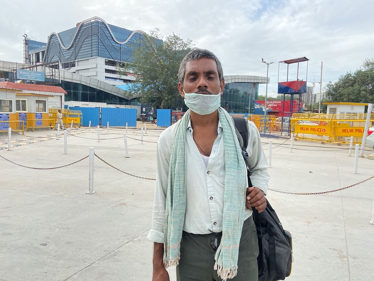 कोरोना का डर तो है पर परिवार के खर्चे के लिए कमाना तो पड़ेगा: जौनपुर से दिल्ली लौटे मज़दूर मुन्नेलाल