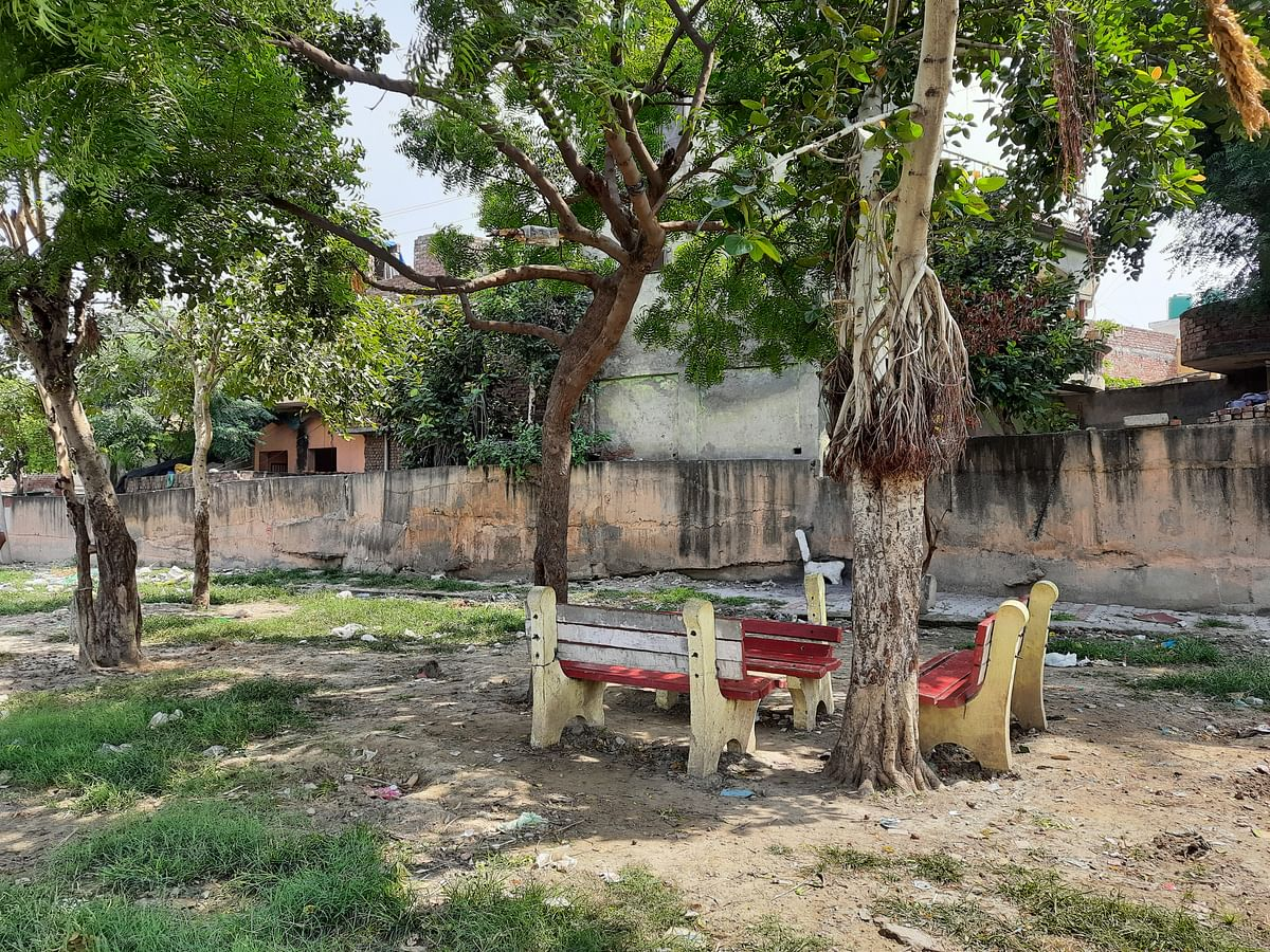 The park bench where Akhlaq decided to rest for a while.