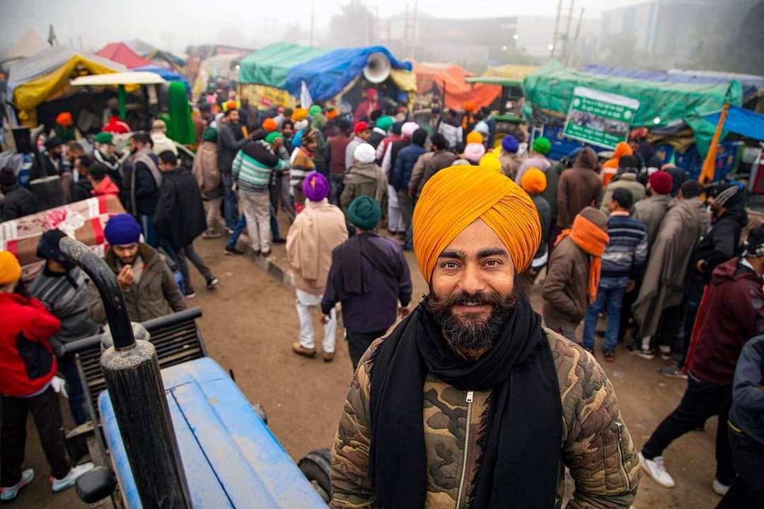 दो सप्ताह से किसानों के साथ प्रदर्शन में शामिल हरप्रीत सिंह सिंघु बॉर्डर पर