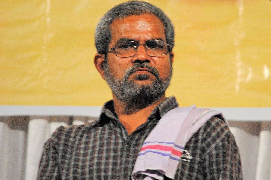 Kamal Shukla runs a news platform called Bhumkal Samachar.