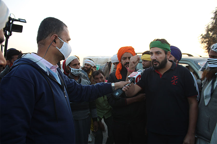 Singh speaks to Zee News at the farmer protest.
