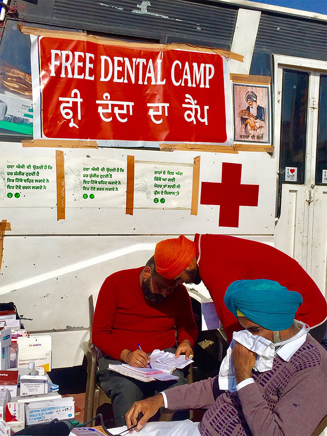 A mobile clinic offering free dental consultation.