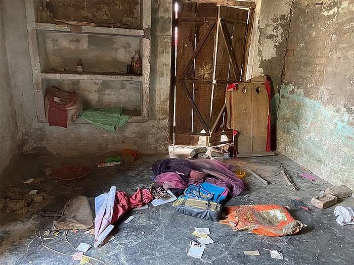 जिब्राइल के घर में तोड़फोड़