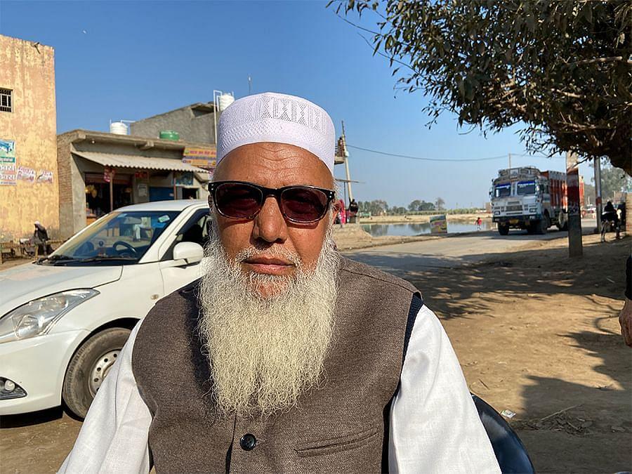मुजफ्फरनगर के जोहिया खेड़ा गांव में 60 वर्षीय मोमीन बाबा