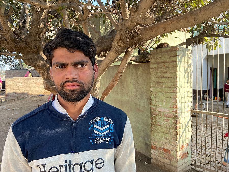 जोहिया खेड़ा गांव में 22 वर्षीय लुकमान कुशवाहा