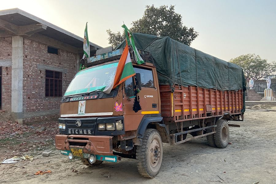 The truck that transports food, money and protesters from Sisauli to Ghazipur.