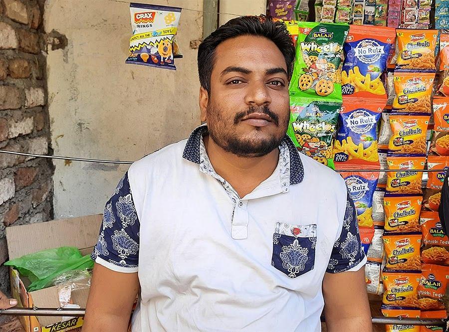32 वर्षीय असद खान