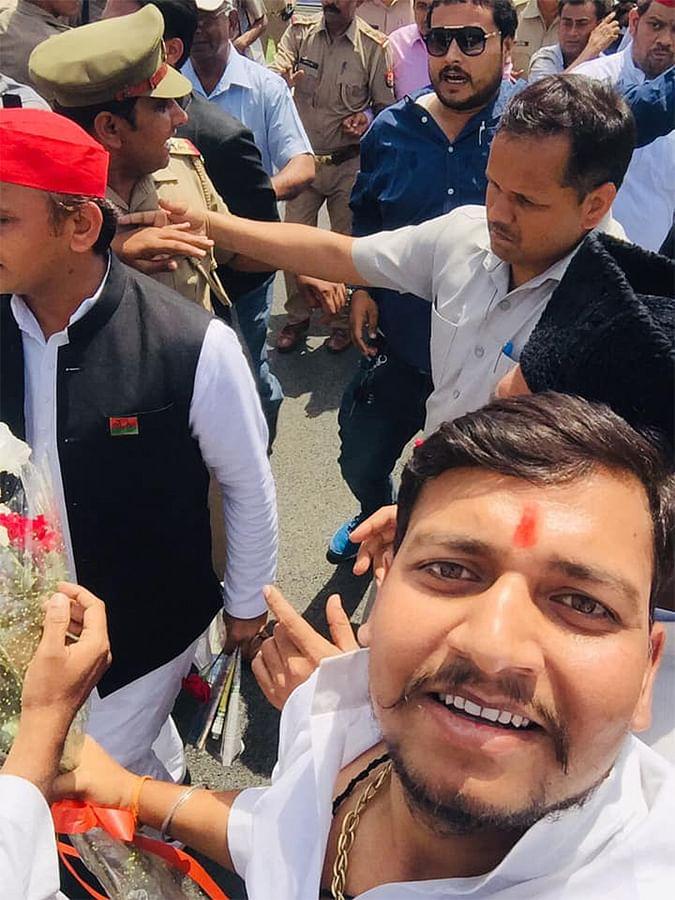 Gaurav Sharma's picture with Akhilesh Yadav.