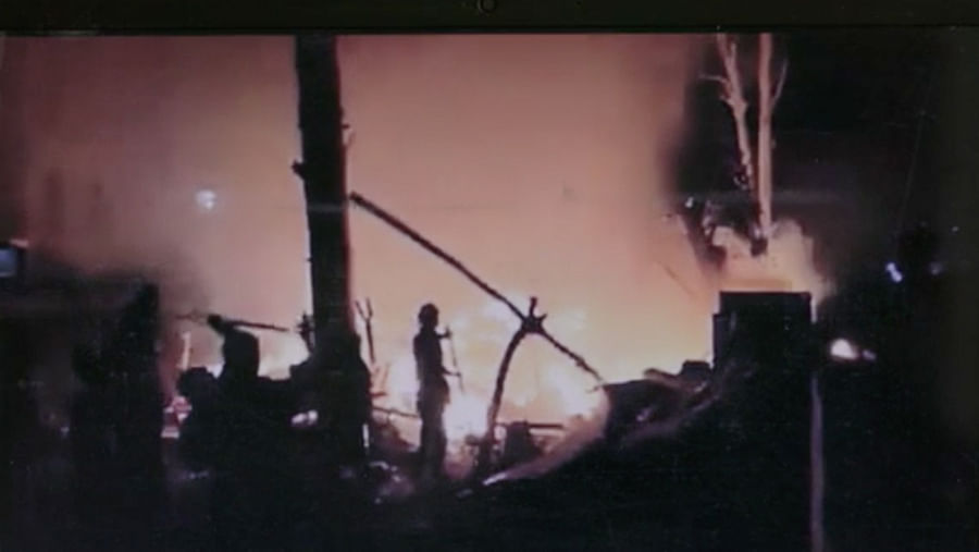 The misleading screengrab of a video used in the documentary, originally shot by journalist Raghu Karnad.