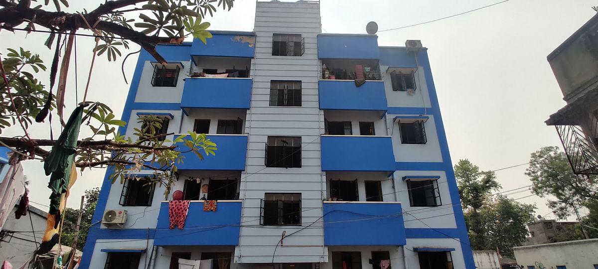 बांग्ला'र बारी', यानी 'बंगाल का घर' कोलकाता के चेतला क्षेत्र में आवास परिसर