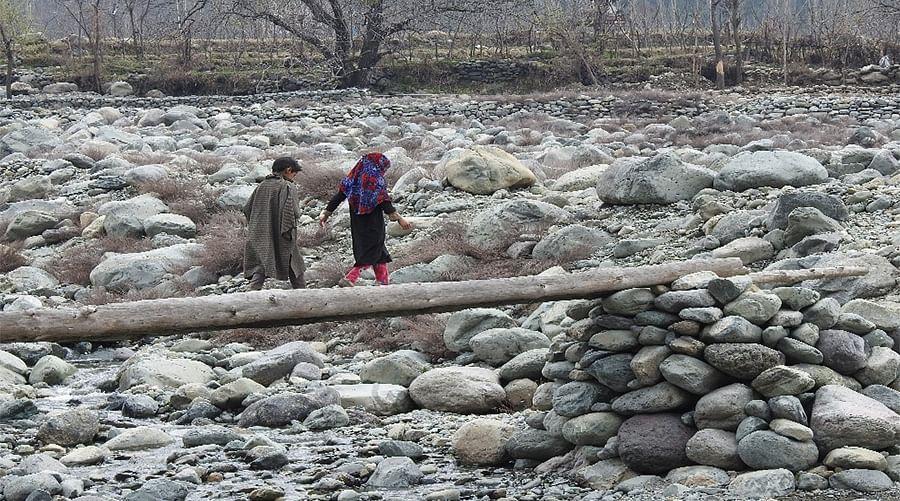 र्गिस्तान गुज्जर बस्ती/गांव में पहुंचने का एक मात्र रास्ता