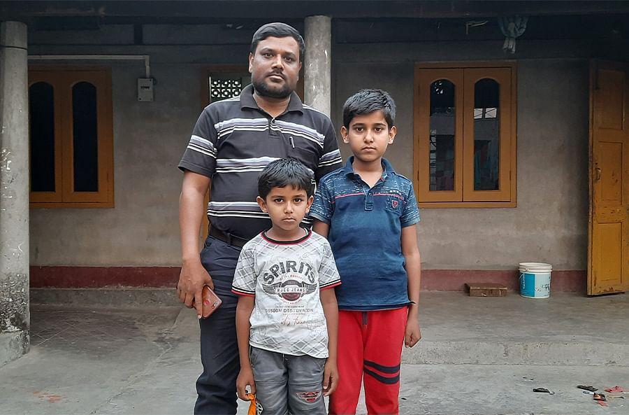 Jahidul Islam Mirdha along with his two sons.