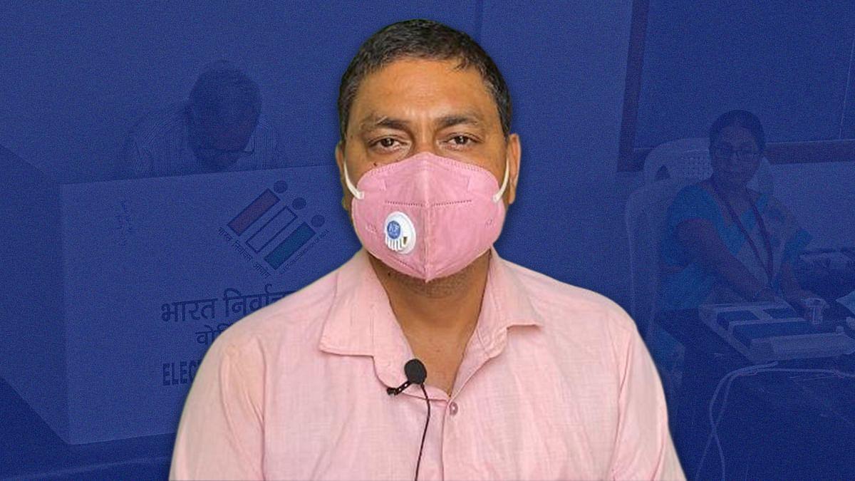 """उत्तर प्रदेश: """"मुझे 103 बुखार था, तब भी पंचायत चुनाव कराने के लिए बुलाया गया"""""""