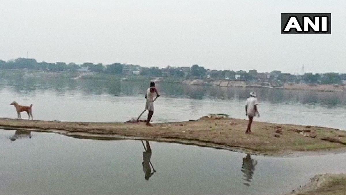 बलिया से बक्सर तक क्यों गंगा में मिल रहे हैं शव