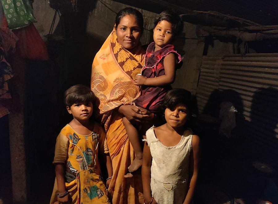 Swati Sriganga Ramdave with her daughters Aarohi, Vaishnavi and Mamta.