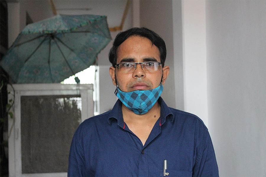 वहीद अहमद अयोध्या में अपने घर पर
