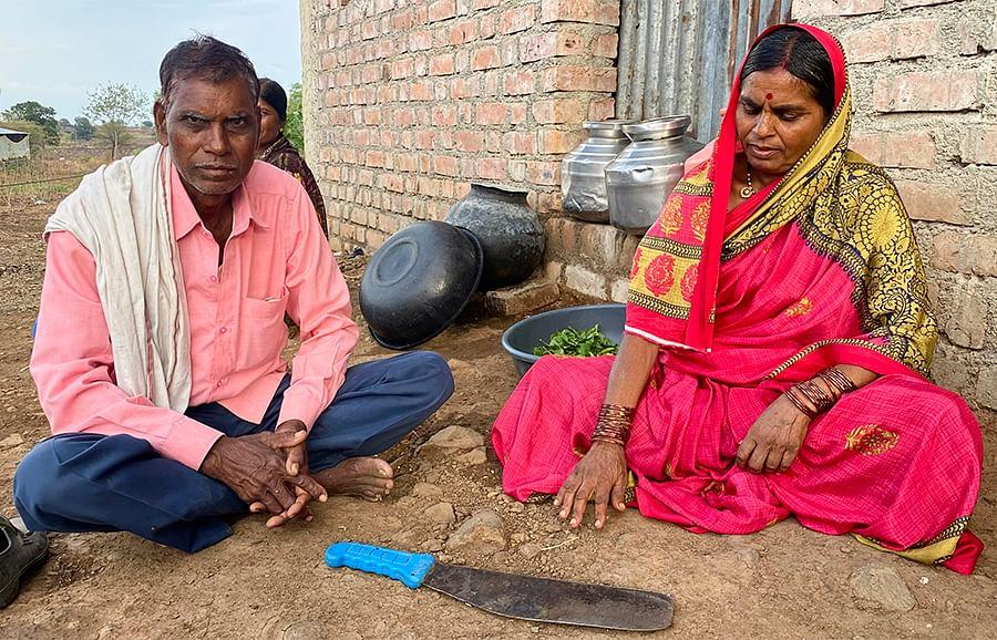 Kusumbai Pandurang Parve and her husband.