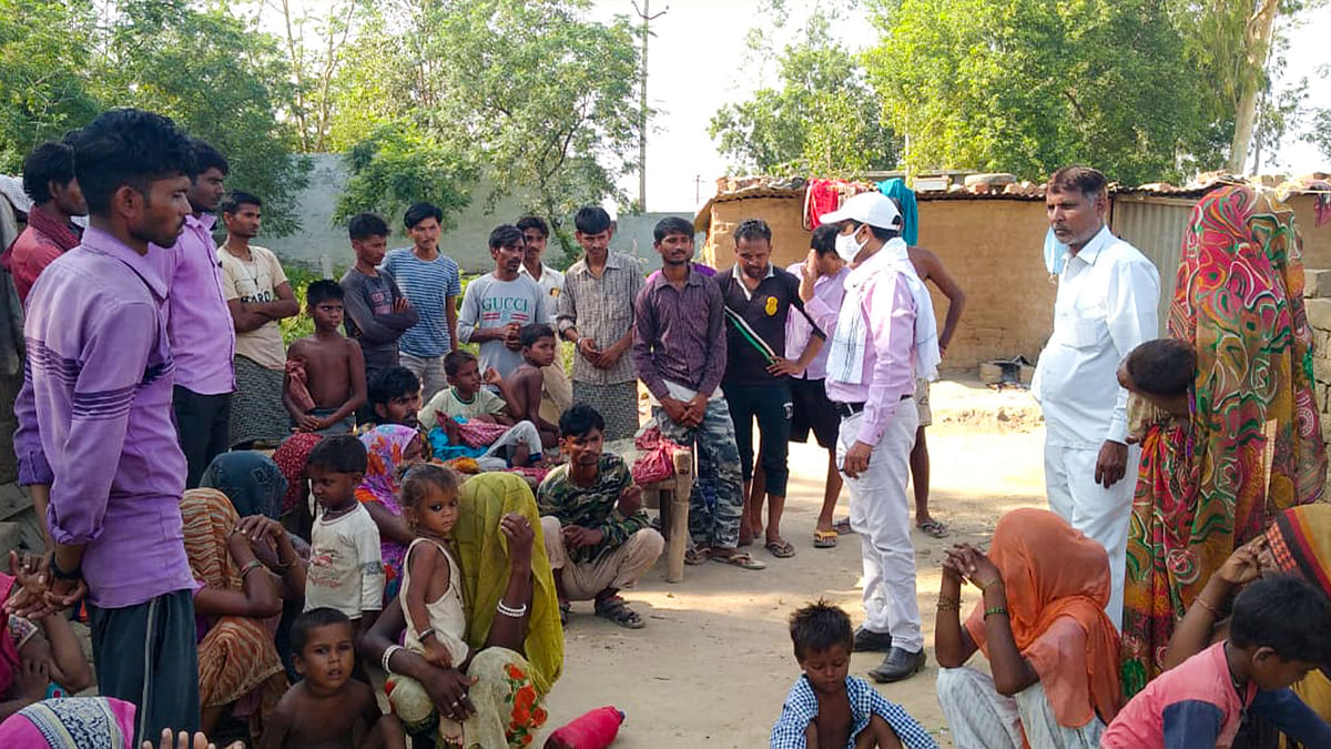 'सरकार द्वारा तय की गई मज़दूरी मांगने पर मालिक ने बिजली-पानी किया बंद, पीना पड़ा नाले का पानी'
