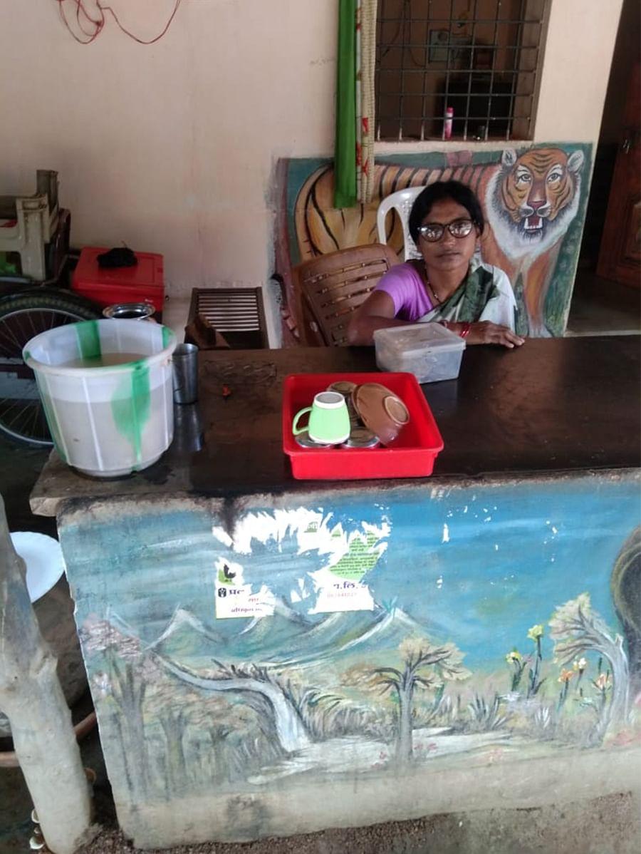 Rohini Meshram at her tea stall in Gadchiroli's Kasaari.