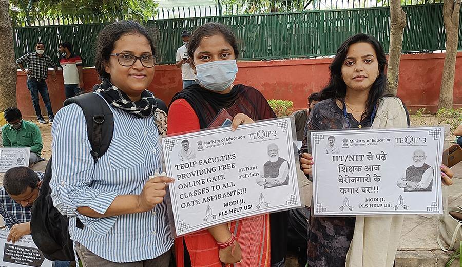 Teachers protesting outside Shastri Bhawan in Delhi.