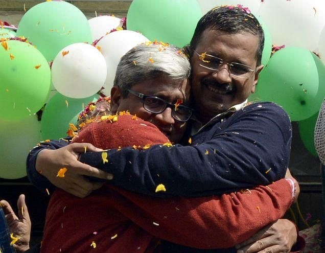 The Ad Rush: At Least 90 Lakh Was Spent To Mark 100 Days of AAP And One Year Of Modi In Delhi Alone