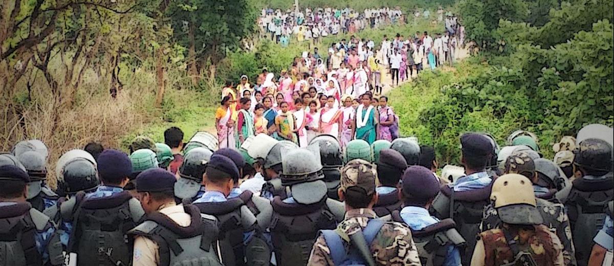 पत्थलगड़ी, महिलाओं से बलात्कार के बीच पिस रहा खूंटी का आदिवासी