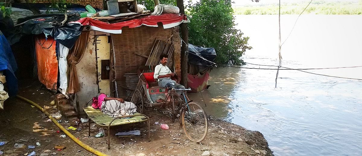 Capital life in times of floods