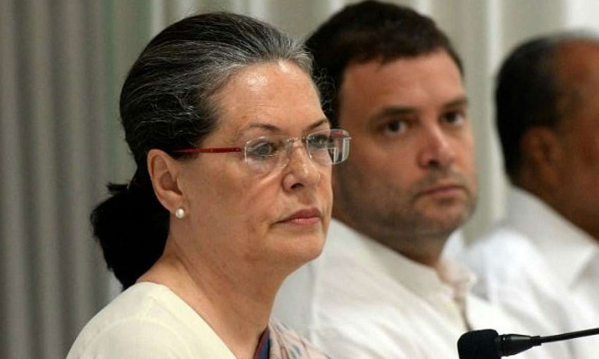 Amid suspense over CMs for Rajasthan and MP, Rahul meets Sonia Gandhi