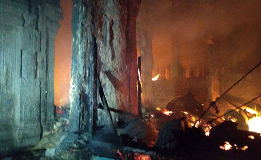 Fire in Madurai Meenakshi Temple, over 30 shops gutted