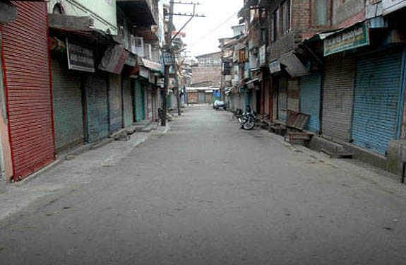 Life crippled in parts of south Kashmir's Pulwama