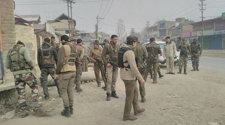 2 CRPF personnel, as many civilian injured in grenade attack in Kashmir