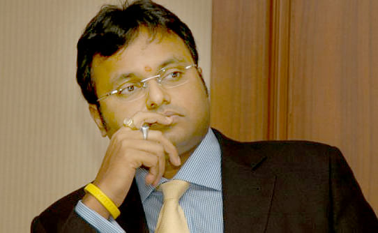 SC stays look out circular against Karti, asks him to join the probe