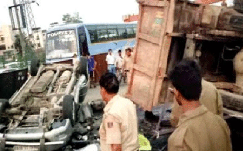 11 killed in UP road accident