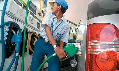 Delhi Govt plans to begin disinfection of vehicles at fuel pumps