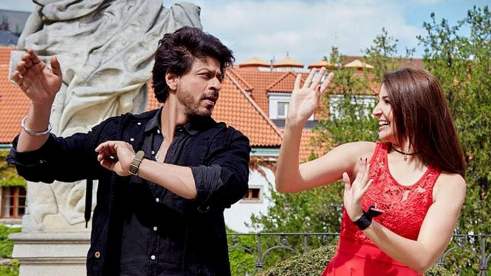 JHMS: a beautiful romantic journey with SRK's vintage appeal & Anushka's endearing presence