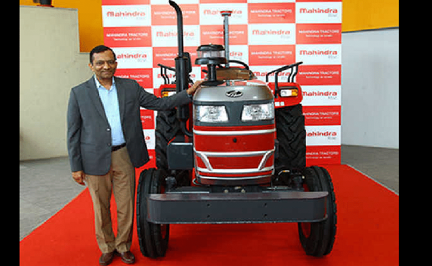 Mahindra showcases its first ever driverless tractor in India