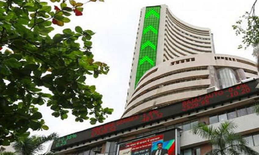 Sensex recovers to above 34,0000,; Yes Bank shares gone up