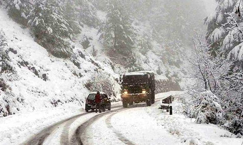 Kashmir highway remains closed for 3rd day, Mughal, Leh road shut