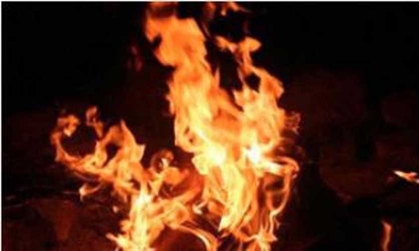 Fire partially destroys CRPF camp in south Kashmir