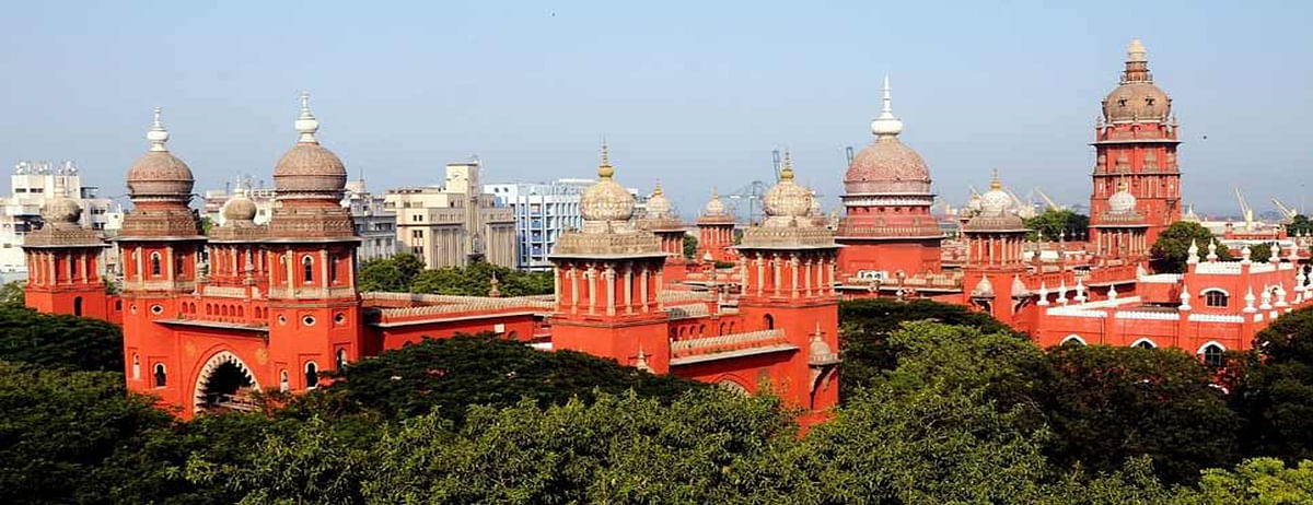 Madras HC delivers Split verdict on AIADMK MLAs' disqualification case