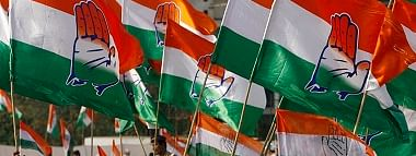 Cong MLAs return to MP capital from Jaipur