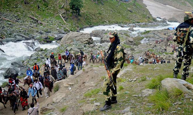 Small batch of pilgrims leaves Baltal for Amarnath