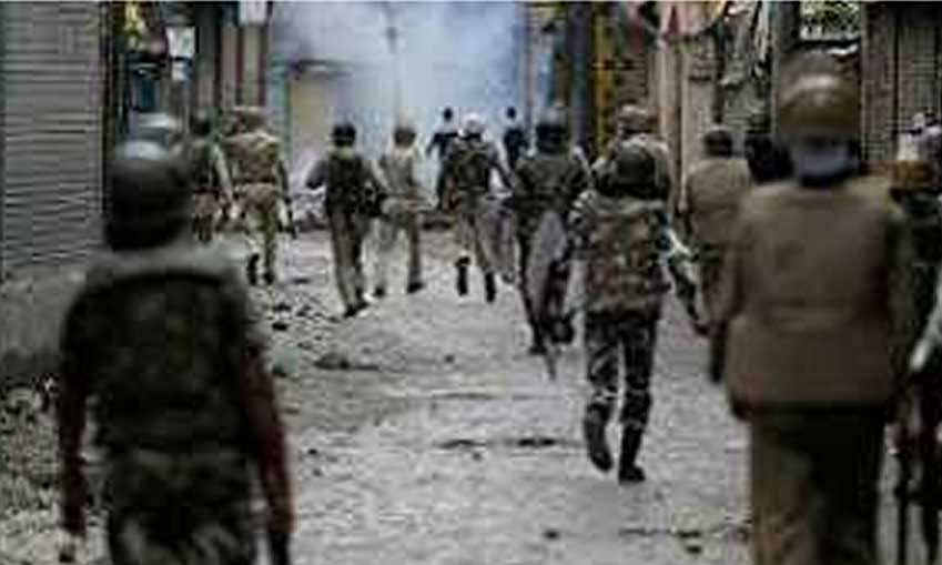 Militant killed, operation continues in south Kashmir