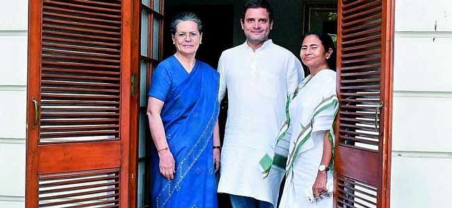 Mamata meets Sonia, Rahul; joint Oppn against BJP in 2019
