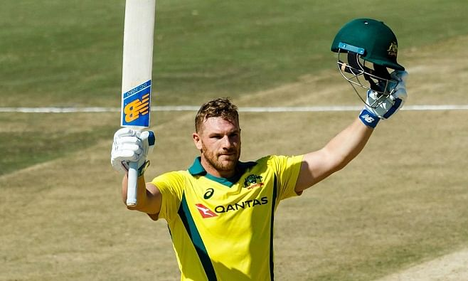 Australia set a winning target of 286 before England