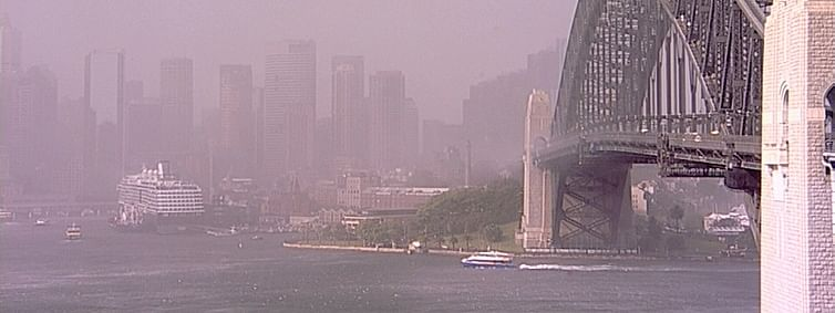 Dust storm reaches Australia's Sydney, residents urged to take precautions