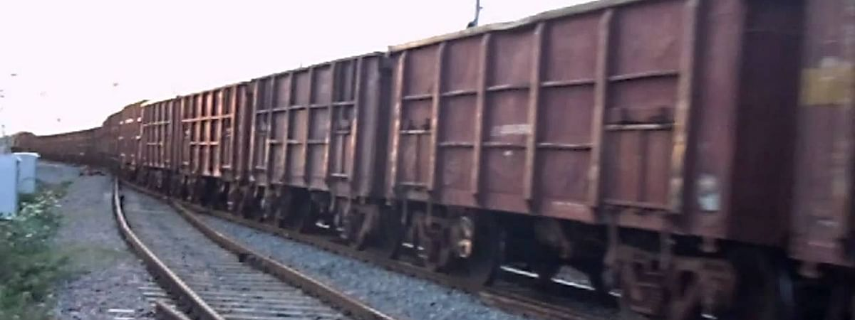 20 coaches of goods train derail in Hardoi, Moradabad-Lucknow route affected
